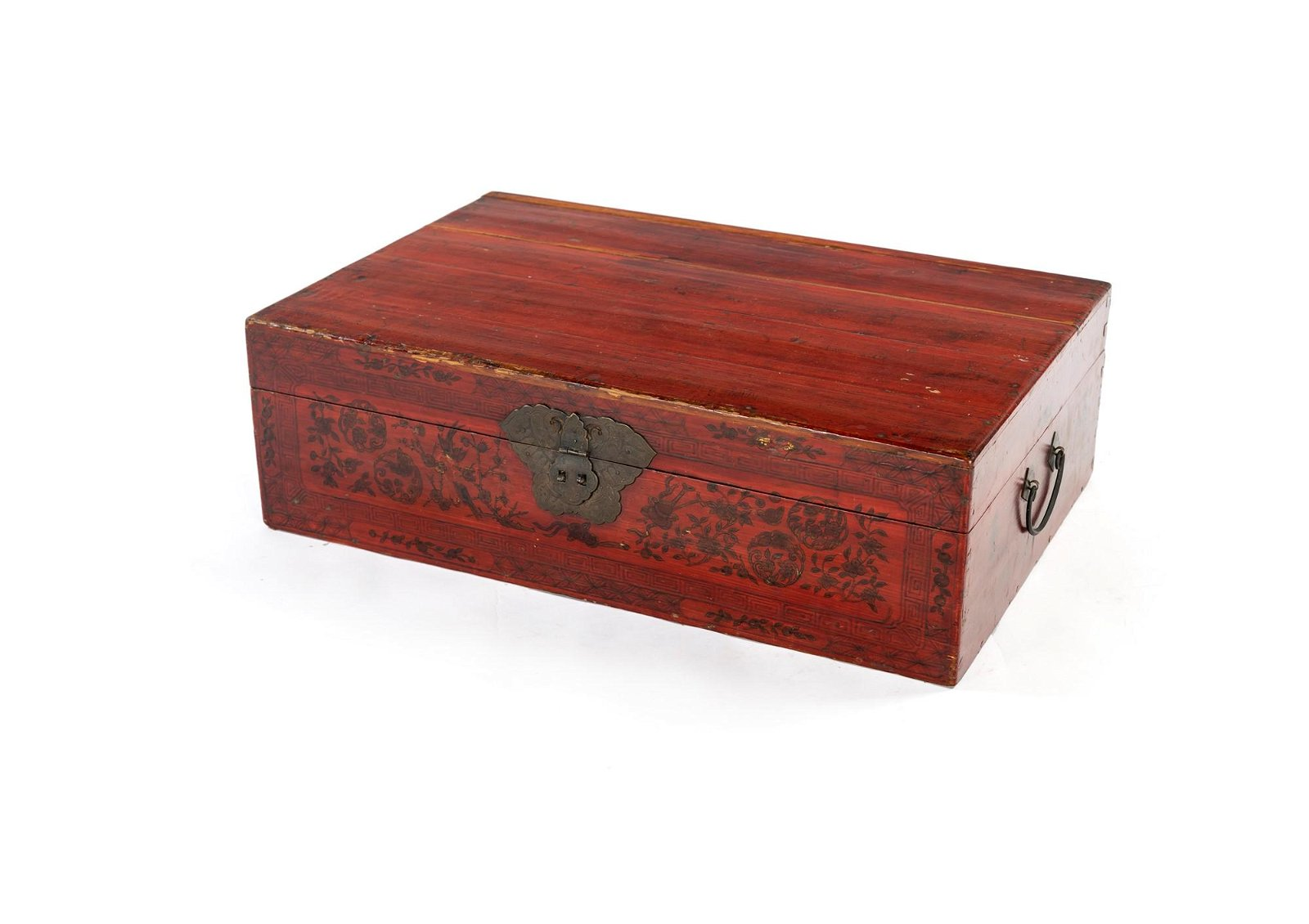 Large red lacquered wooden case