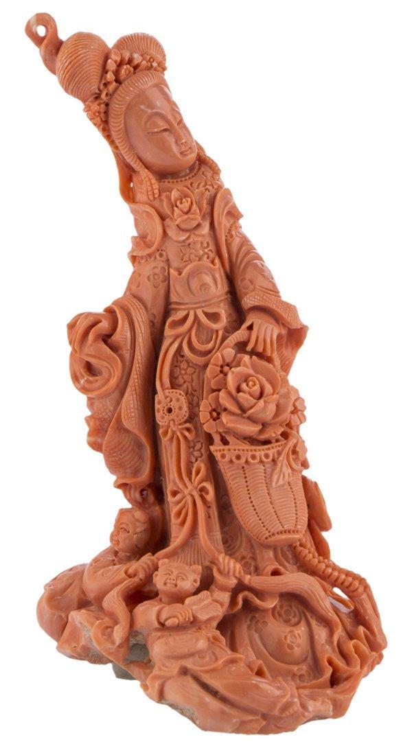 | Scultura in corallo raffigurante Guanyin, XX secolo |