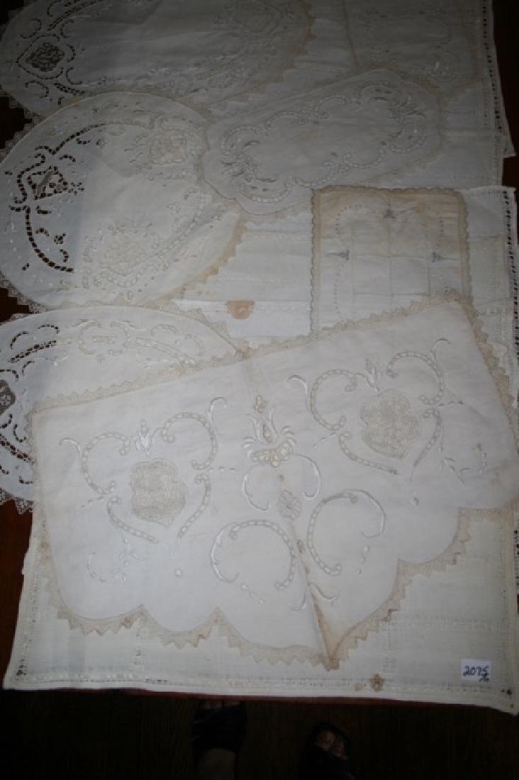 Antique Linen Lot (17) - 2