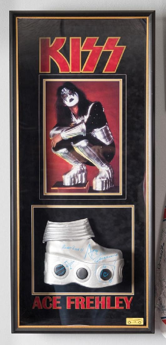 Kiss Signed Boot