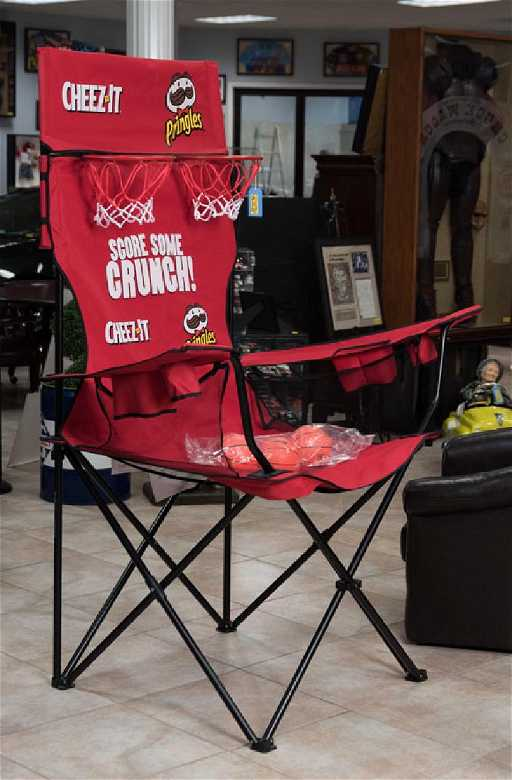 cheez it and pringles oversized lawn chair