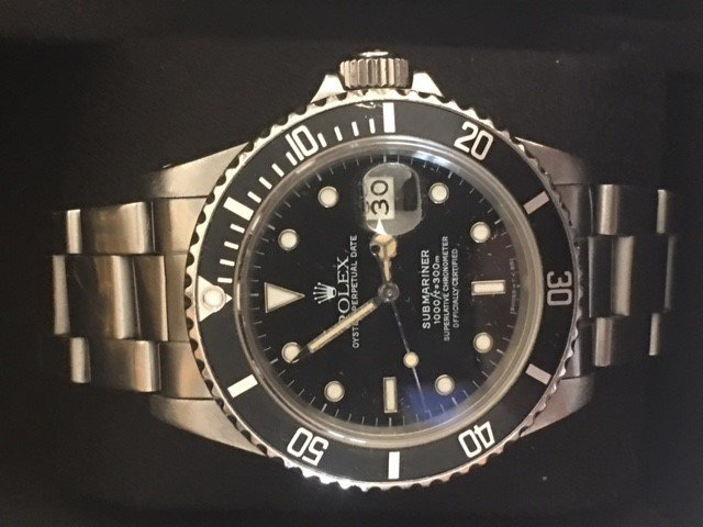 Rolex Submariner Oyster Perpetual Date Wrist Watch-Mens