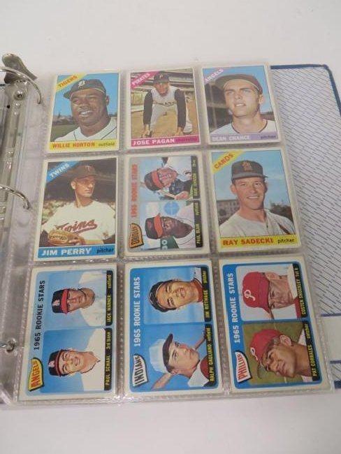 Album of 1950's-60's Baseball Cards (183) - 3