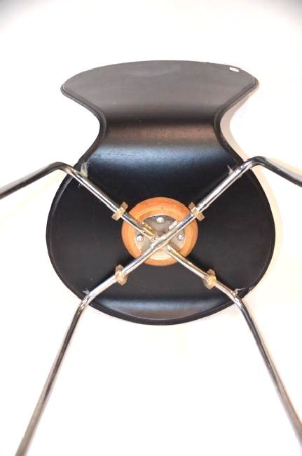 Mid-Century Modern Chairs (4) - 5