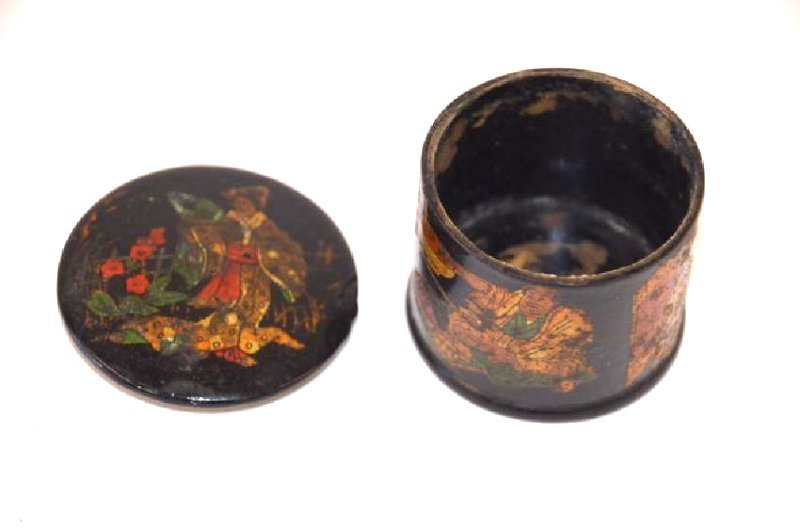 19th C. Lacquered Oriental Box - 3