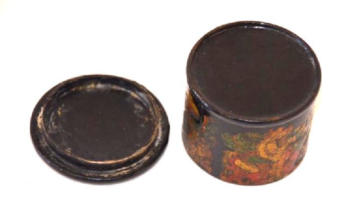 19th C. Lacquered Oriental Box - 4