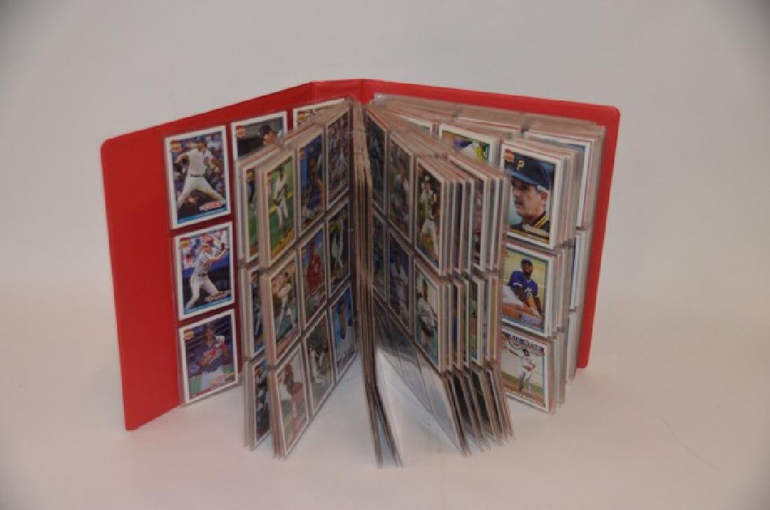 Topps 40 Years of Trading Cards Binder(900)
