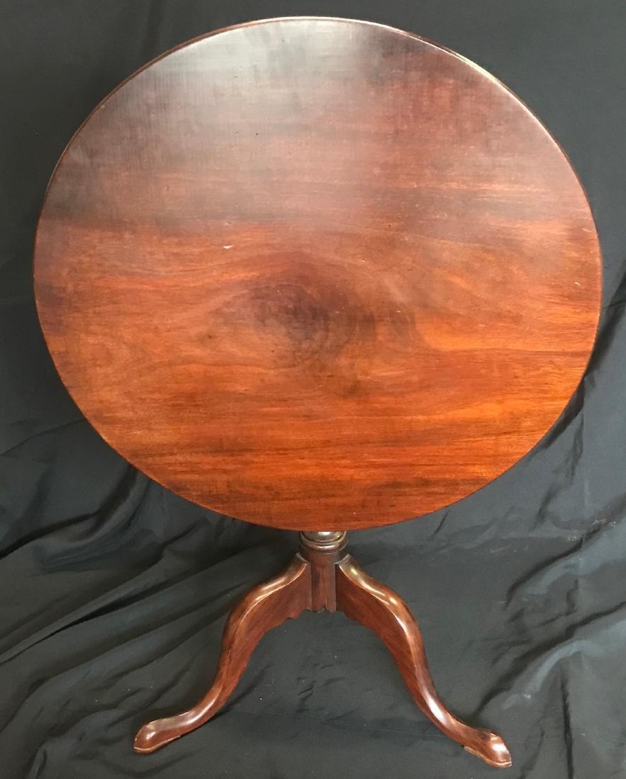 Queen Anne Tilt Top Table