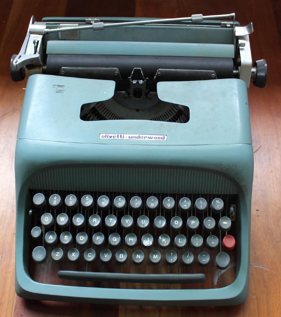 Olivetti Underwood Vintage Typewriter