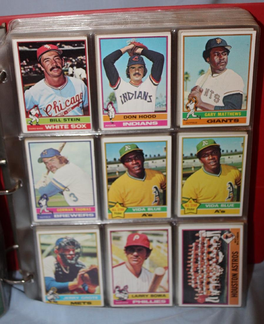 Baseball Card Album Approx. 620 Cards 1977 - 2