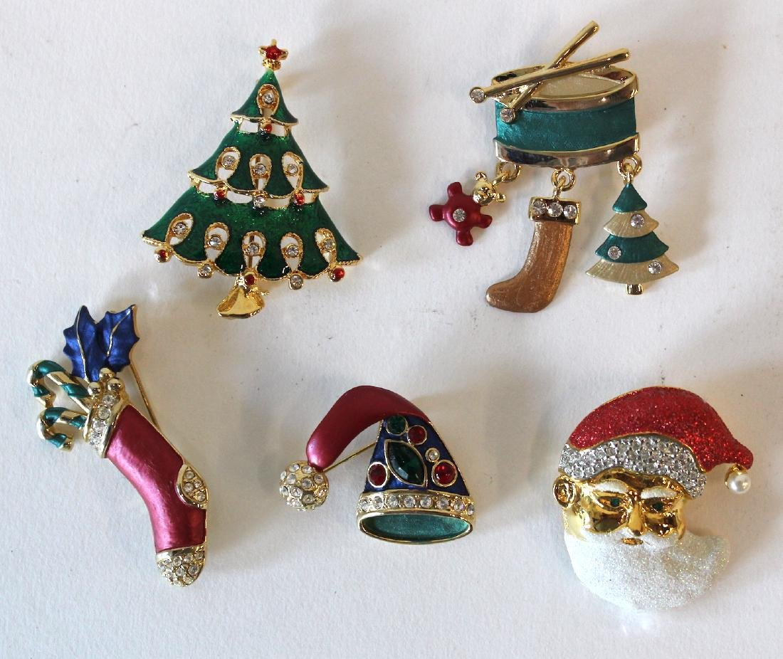 Collectors Lot of Vintage Christmas Pins(5)