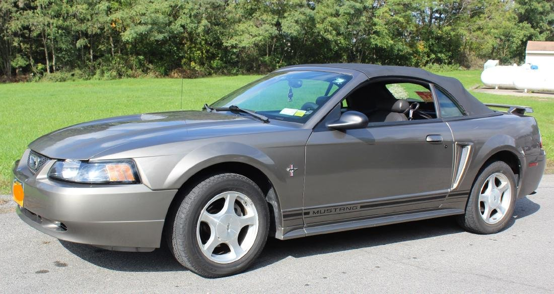 2001 Mustang Convertible. Leather Interior