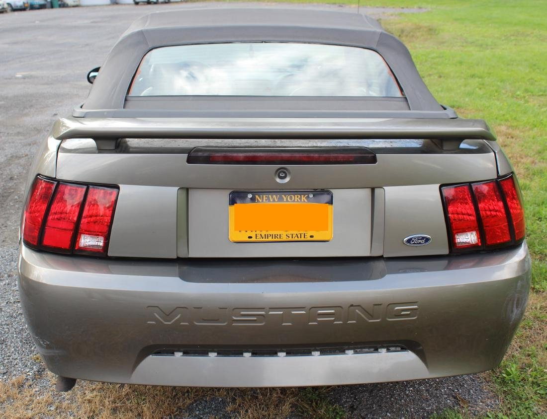 2001 Mustang Convertible. Leather Interior - 5