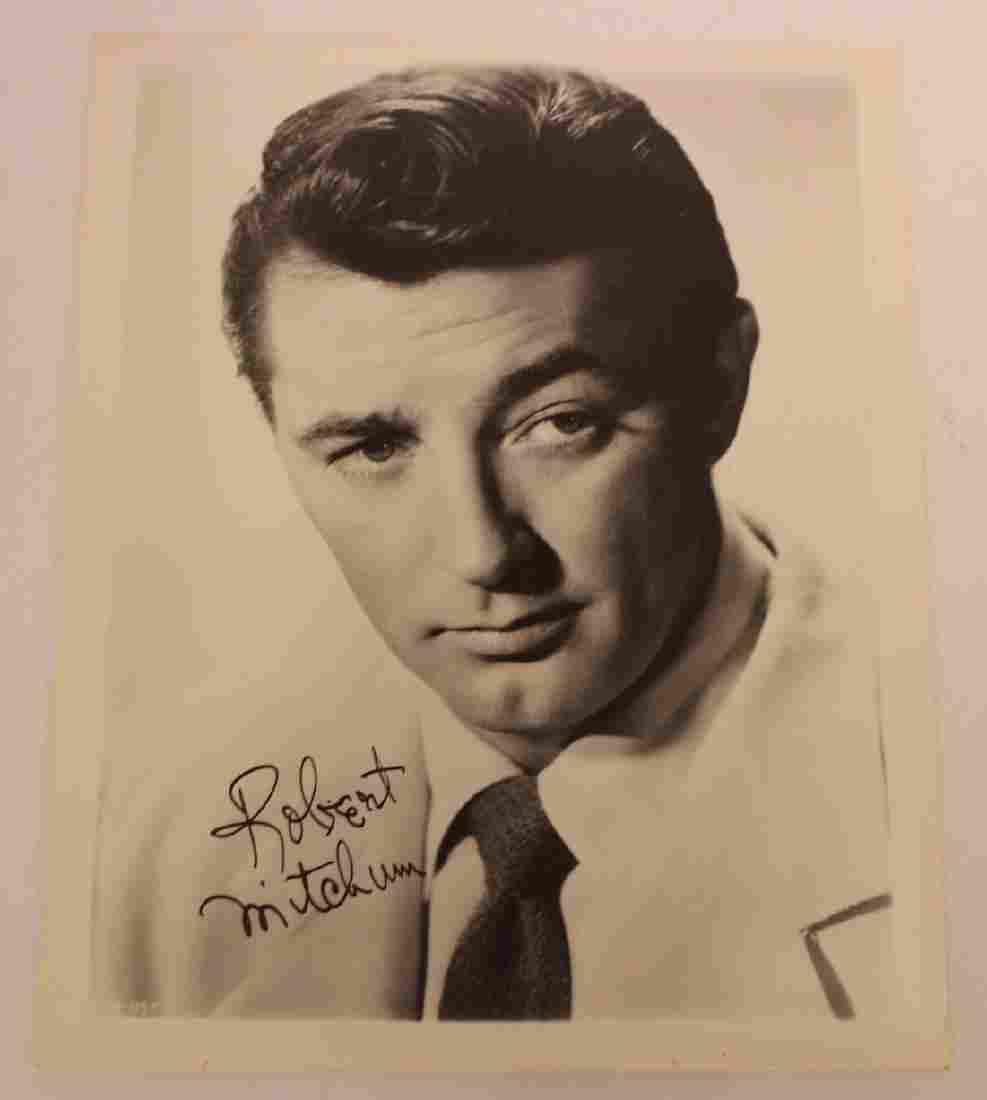 Robert Mitchum Photograph Signed