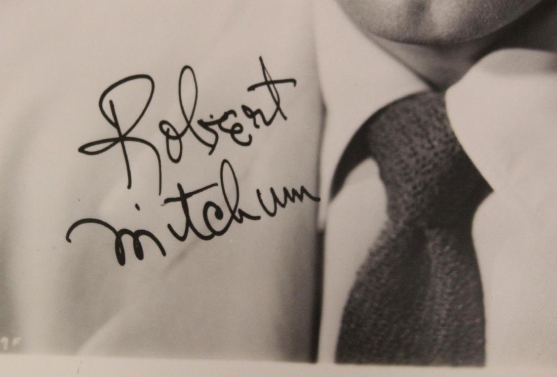 Robert Mitchum Photograph Signed - 2