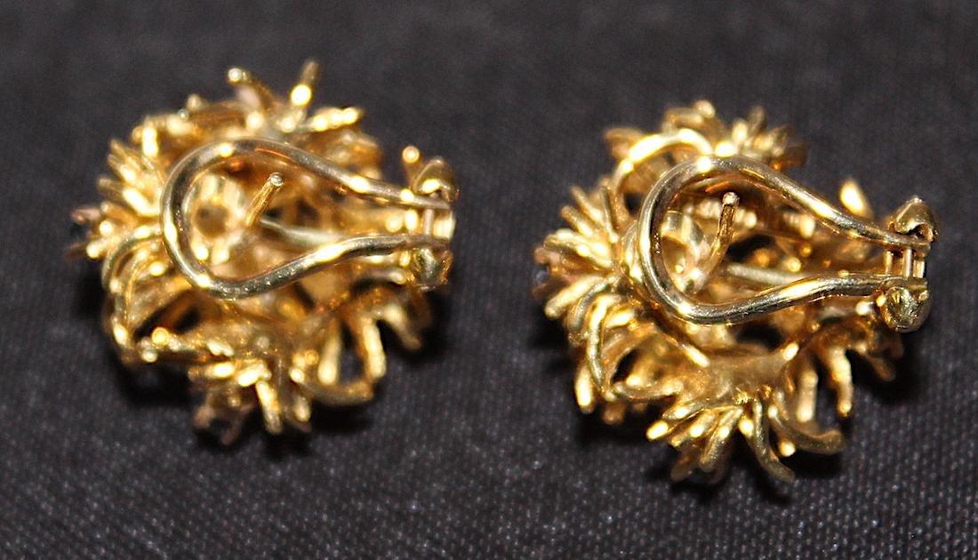 Tiffany & Co. 18K Brooch and Earrings. - 7