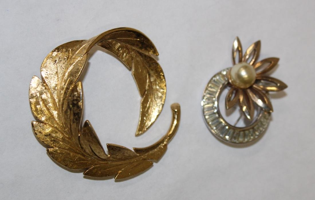 Vintage Signed Brooches  inc. Pennin , Trifari & - 5