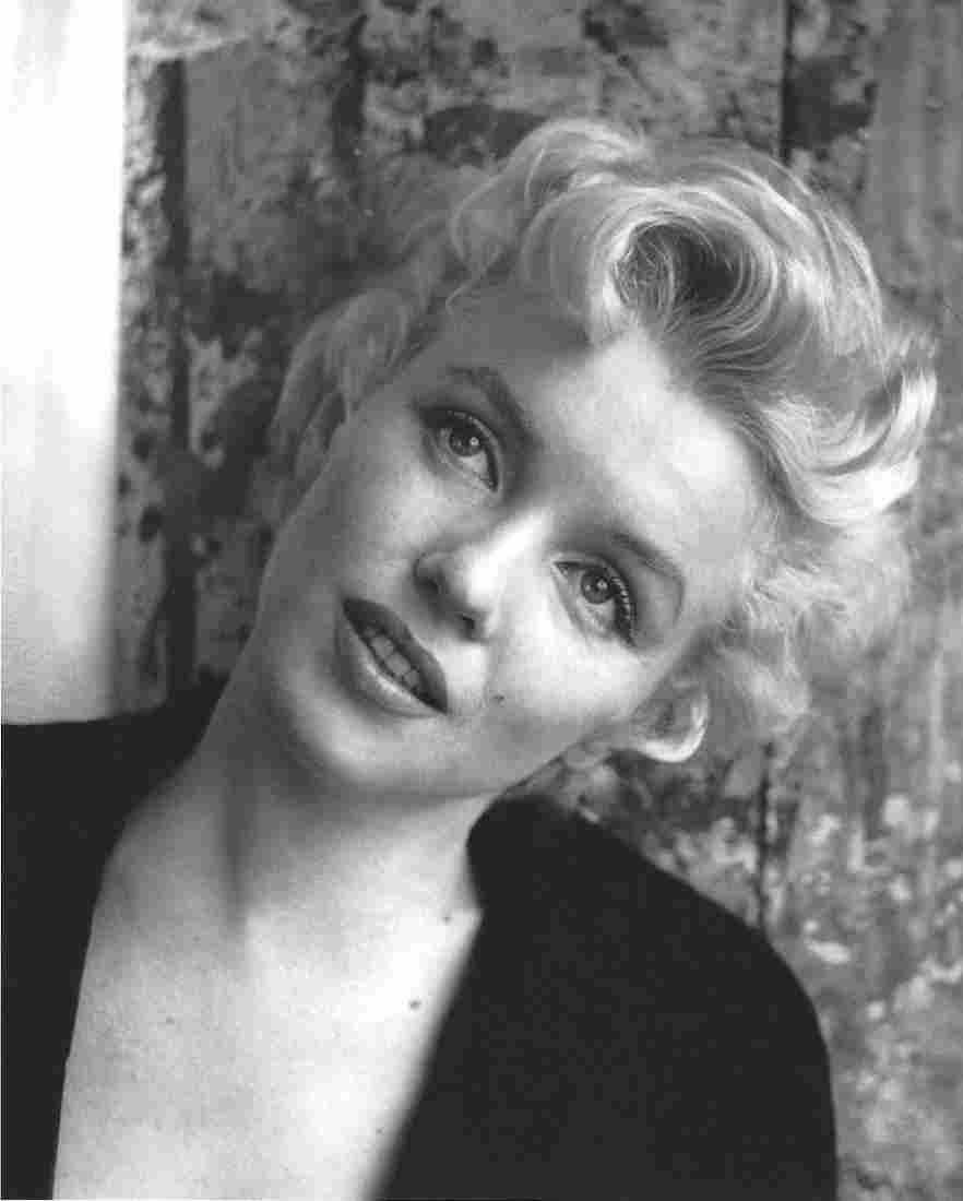 Marilyn Monroe Cecil Beaton Publication Photo