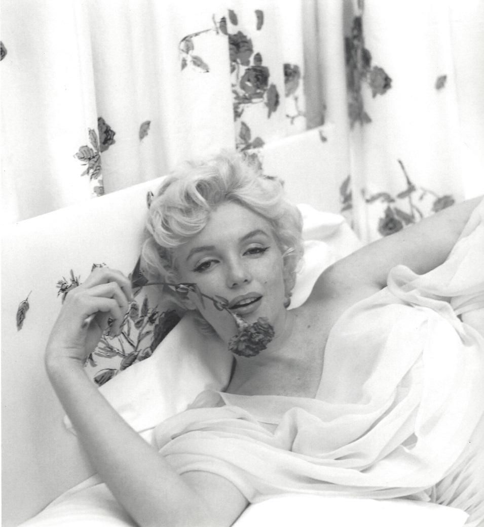 Marilyn Monroe Cecil Beaton Publication Photo