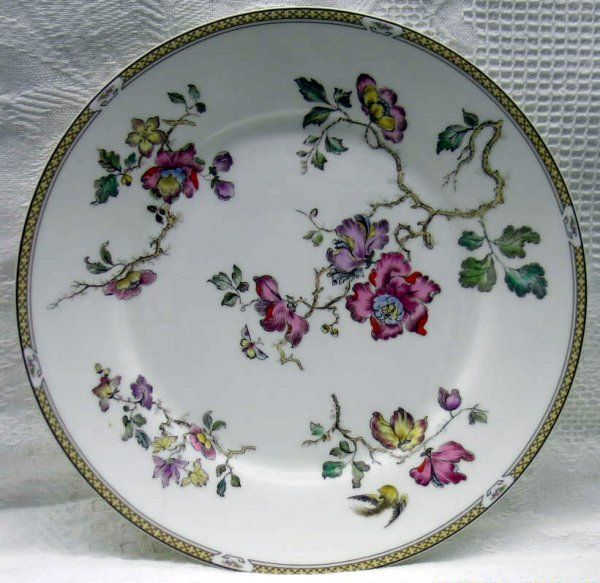 16: Six Wedgwood Service Plates