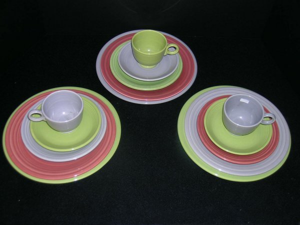 180: 15 PCS FIESTA WARE 1950'S ROSE, GREY & CHARTREUSE