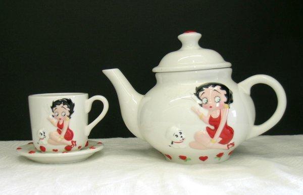 315: BETTY BOOP TEA POT & CUP AND SAUCER