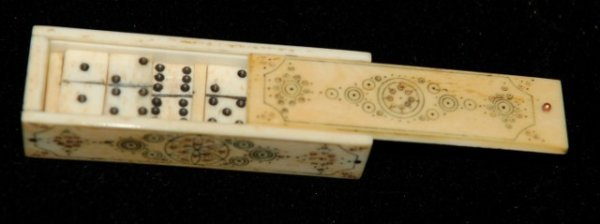 10: SCRIMSHAWED DOMINOES BOX