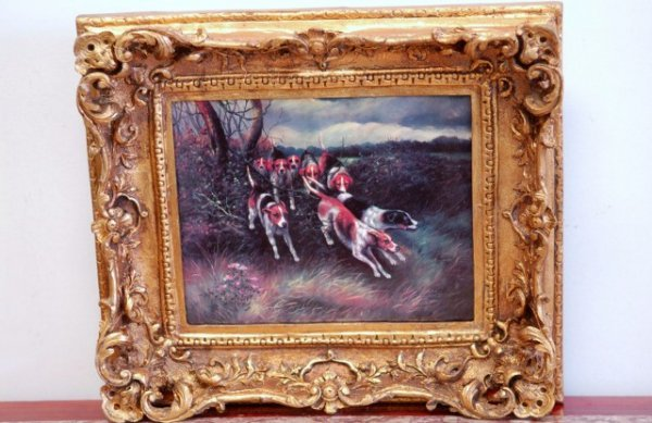 20: PORCELAIN PLAQUE. FOX HUNTING DOGS