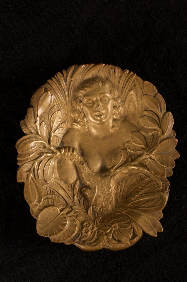 EROTIC ART NOUVEAU BRONZE FIGURAL TRAY