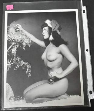 Bettie Page Christmas Image
