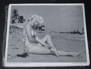(20) Photos, Model Maria Stinger.