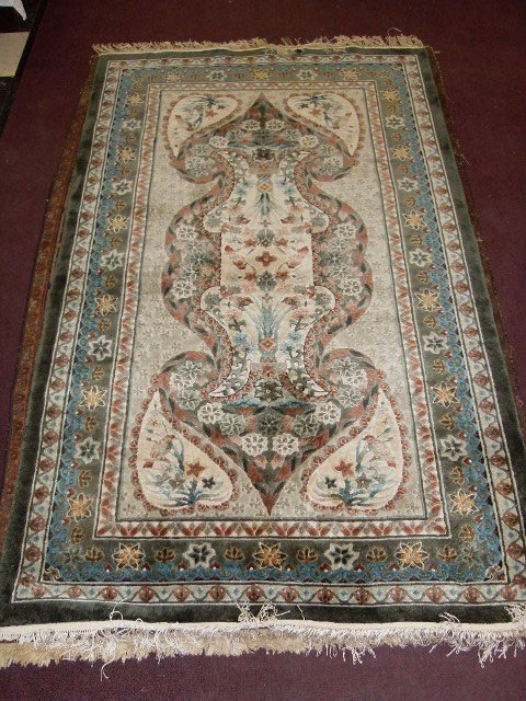 5: PAIR OF CHINESE CARPETS