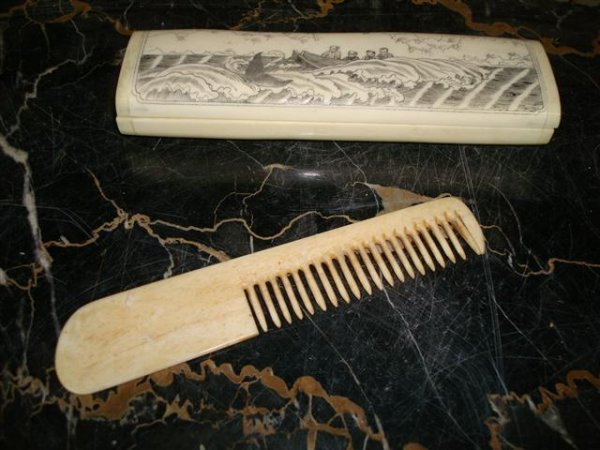 11A: SCRIMSHAWED BOX WITH COMB