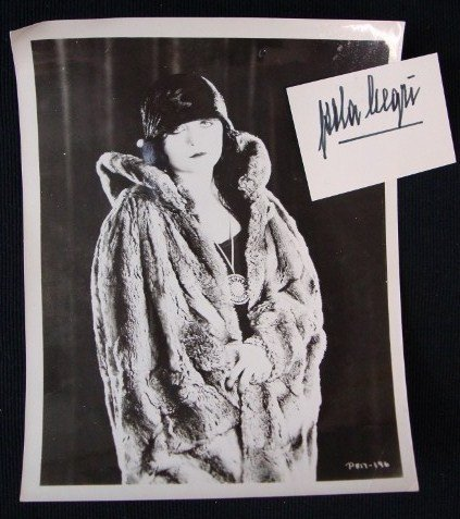 24: POLA NEGRI PORTRAIT AND AUTOGRAPH