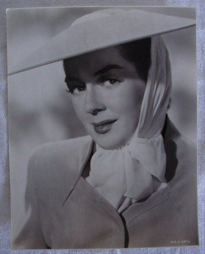 7: ROSALIND RUSSELL PORTRAIT BY A. KAHLE
