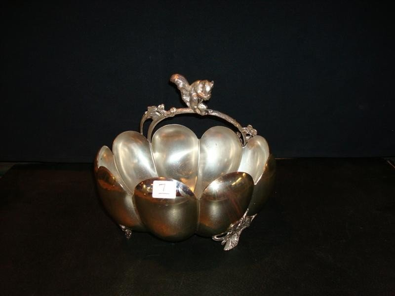 7: PAIRPOINT FIGURAL SILVERPLATE NUT DISH