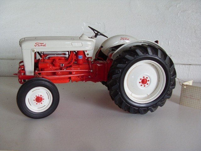 2: 1953 FORD TRACTOR
