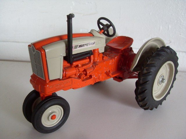9: TWO FORD 901 (981) SELECT-O-SPEED TRACTORS