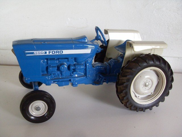 17: FORD 4600 TRACTOR