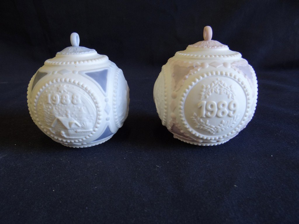 12A: Pair of Lladro porcelain ornaments