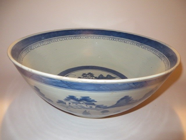 Canton Punch Bowl. C. Early 1800's