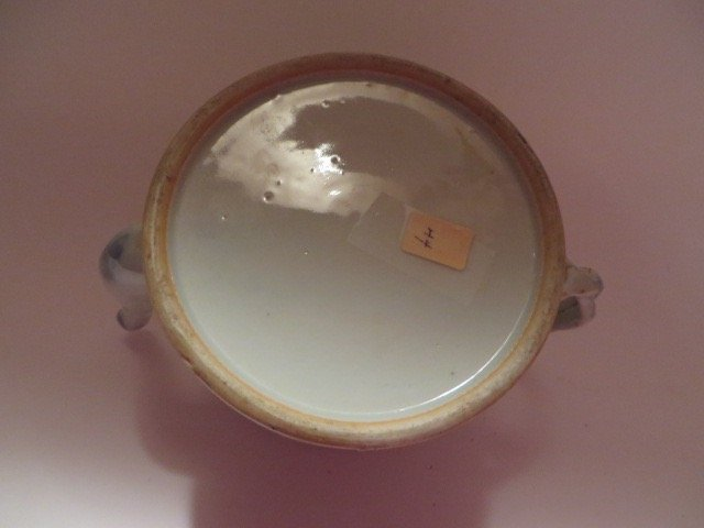Canton Tea Pot. C. Late 1700's - 3
