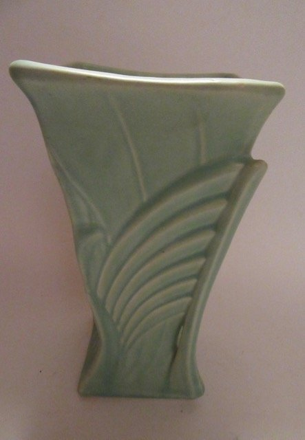 McCoy Art Deco Vase. - 2
