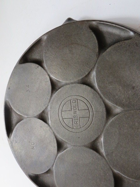 Griswold Cast Iron Plett Pan - 3