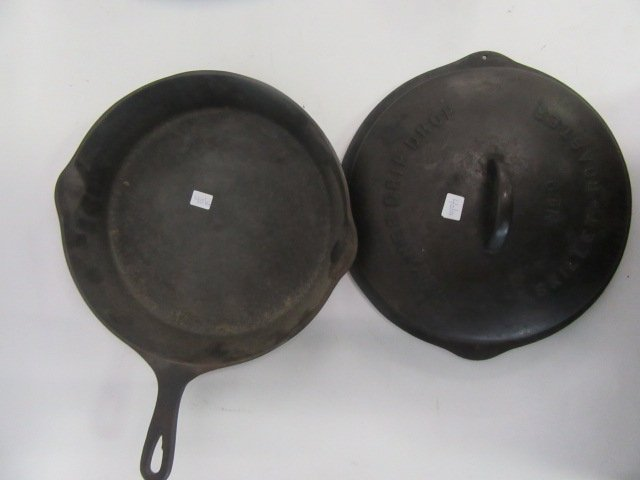 Wagner Cast iron Covered Skillet - 2