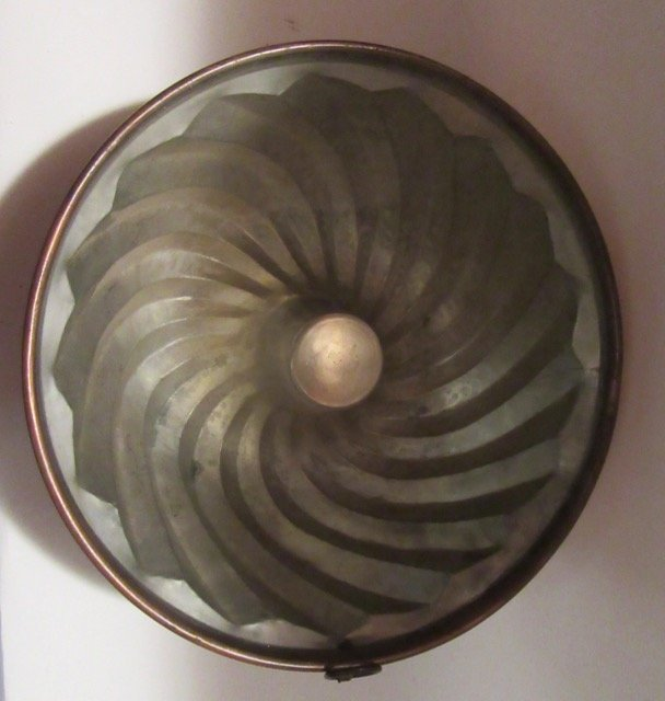 Antique Copper Oversized Mold - 2