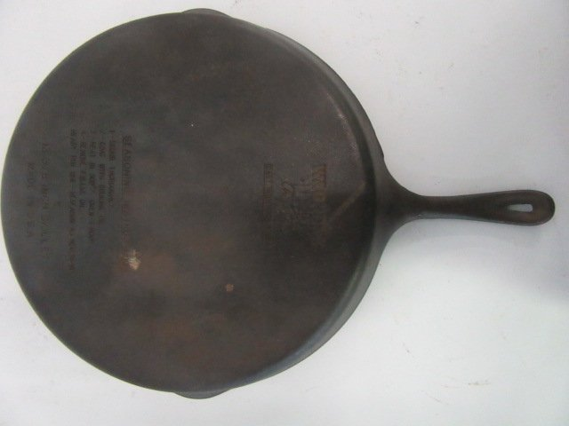 Wagner's Cast Iron Skillet - 2