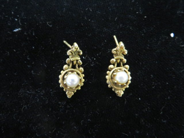 Antique Gold and Pearl Earrings. - 2