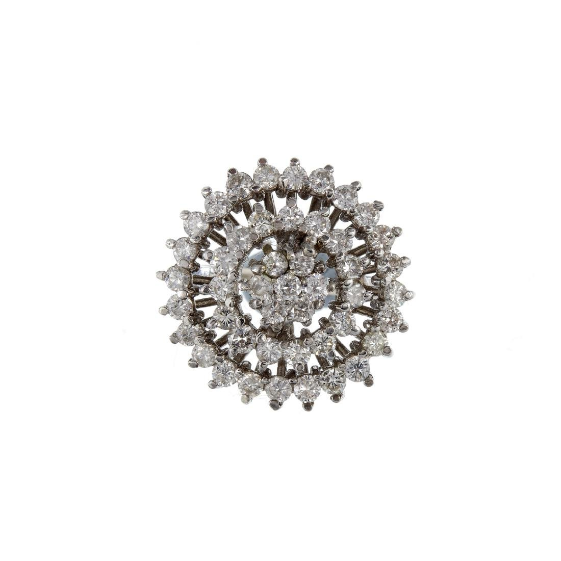 A diamond target cluster ring