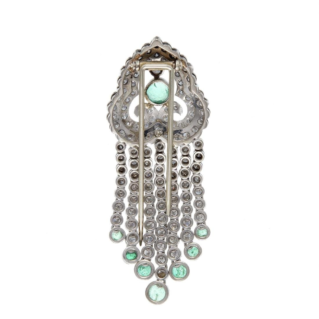 An emerald and diamond clip brooch - 2